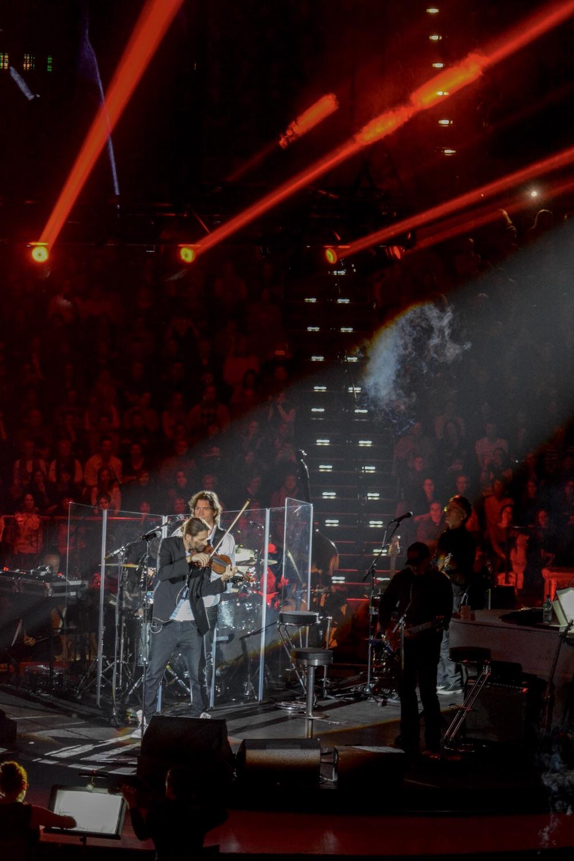 Lichtkompositionen als Teil der Show.