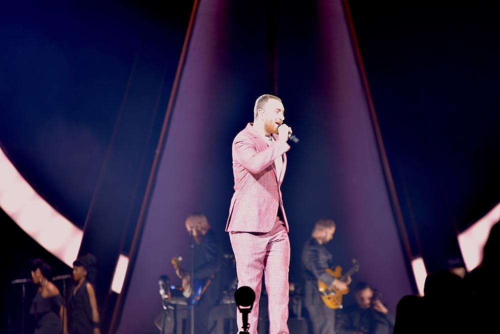 Sam Smith in rosa.