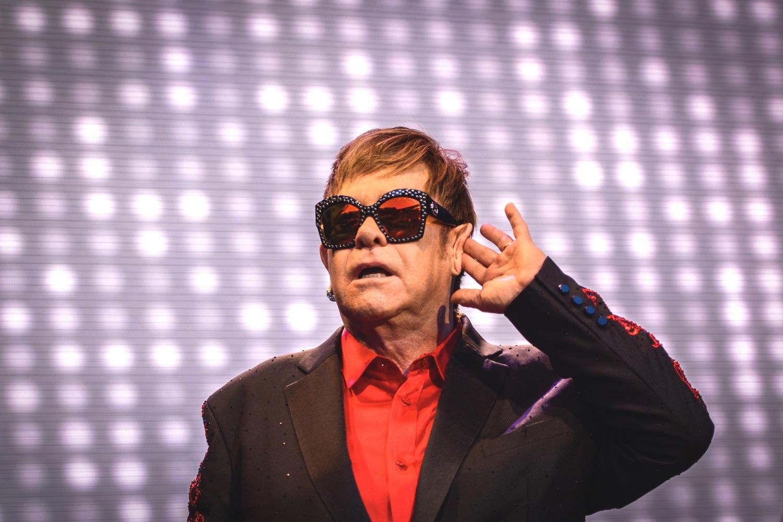 «Ah, Applaus». Elton John ist immer für ein Spässchen zu haben.