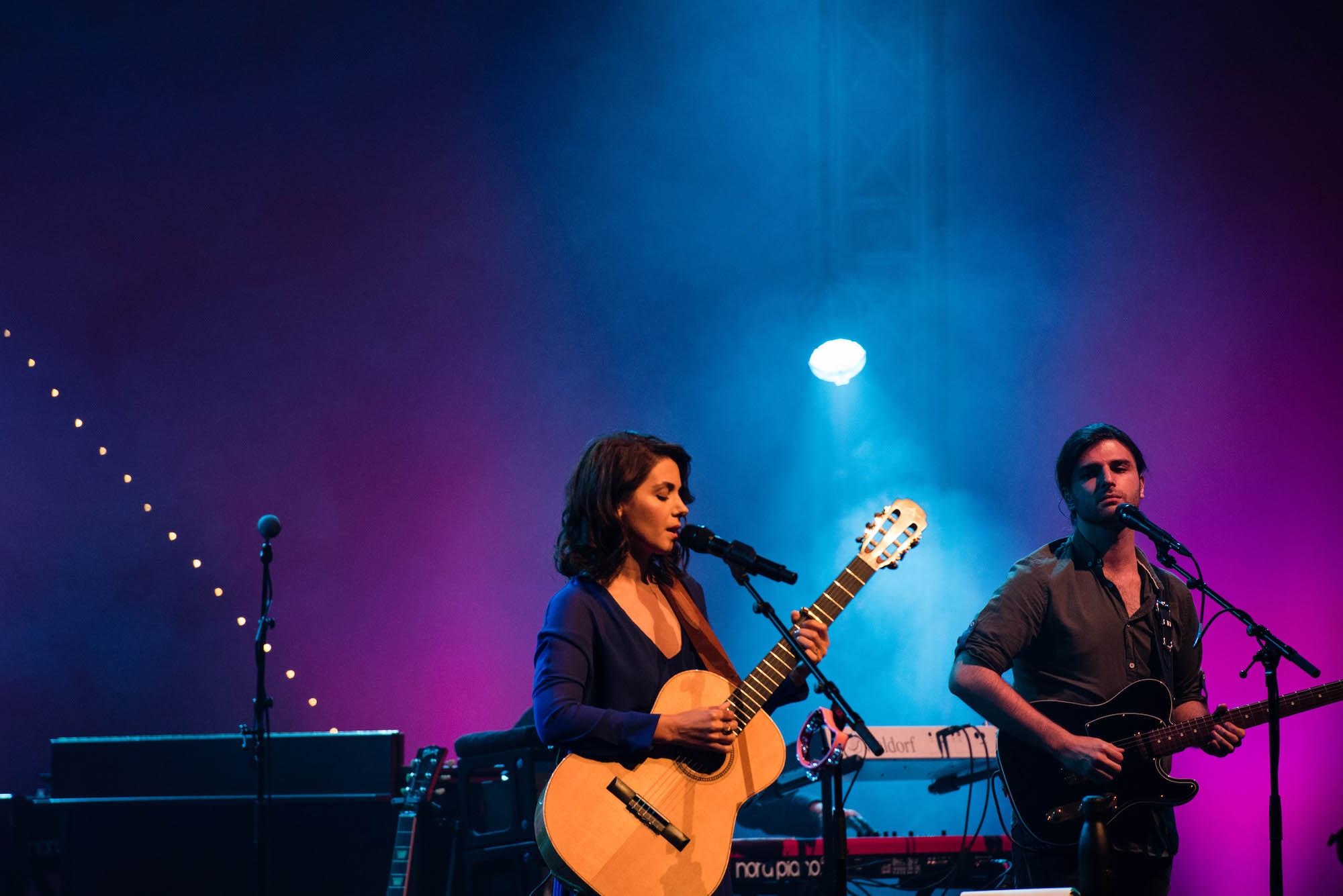 Katie Melua im Konzertsaal.