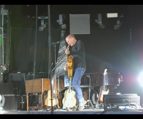Bryan Adams am Live at Sunset
