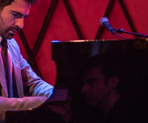 Renzo Vitale in der Rockwood Music Hall, NYC