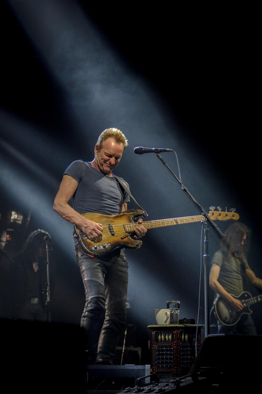 Gleich zu Beginn lässt Sting The Police hochleben.