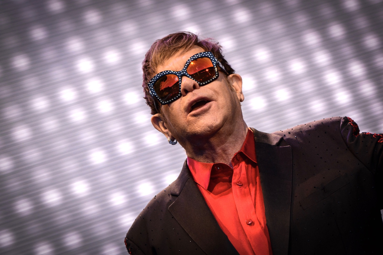 Elton John hatte sichtlich Spass am Konzert.