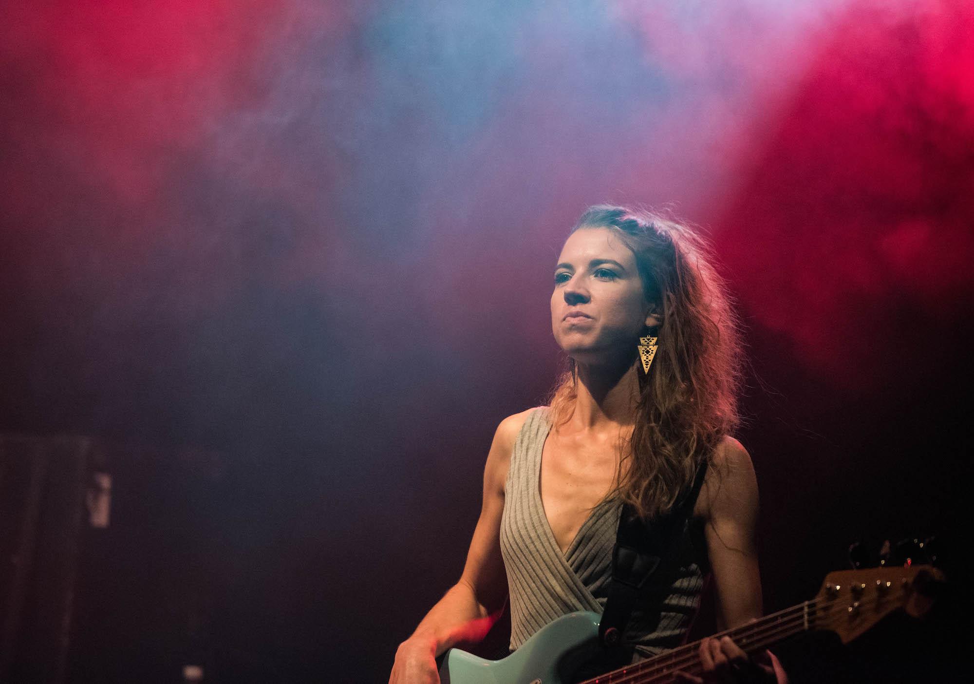 Lia Low am Bass bei Zid